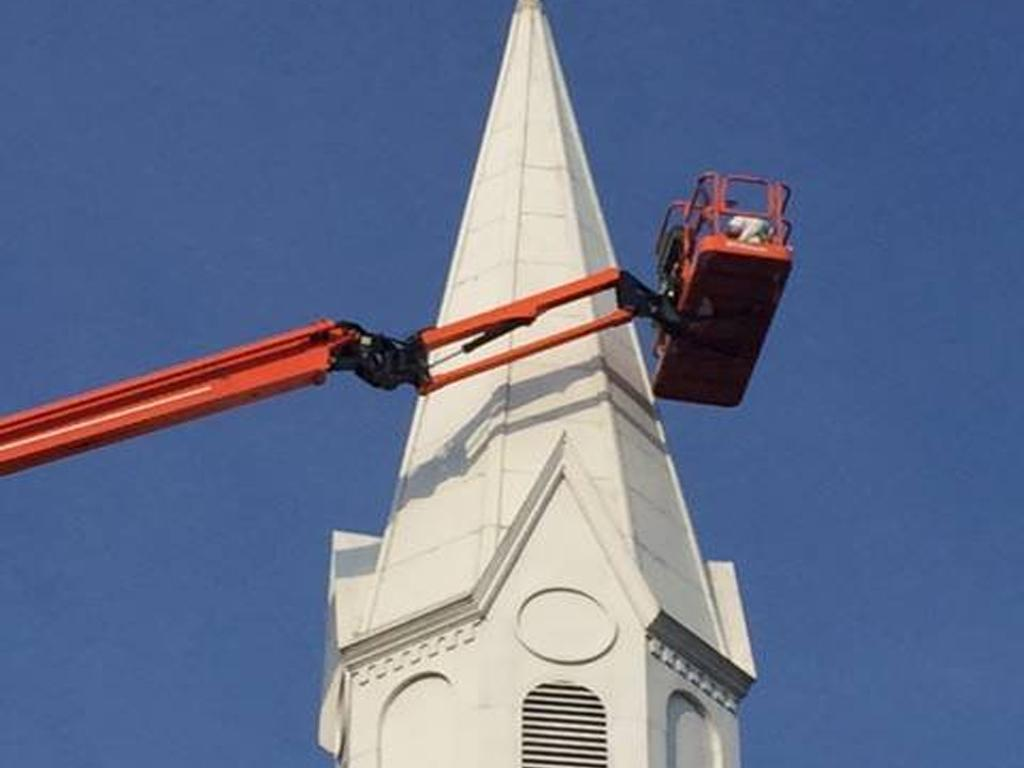 SMART Local 33 members refurbish the First Baptist Church in Parkersburg, WV